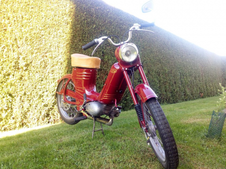 Datovania motocykel